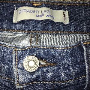 Levi's Jeans - EUC Levi's 505 Straight Leg Jeans Size 8.